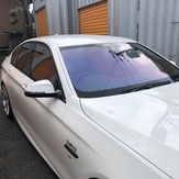 BMW5 ホログラフィックフィルム施工のイメージ